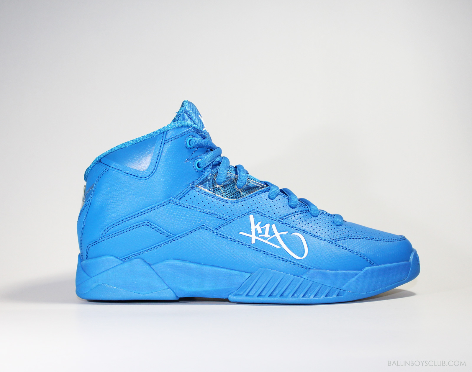 靈感來自90年代經典球鞋設計