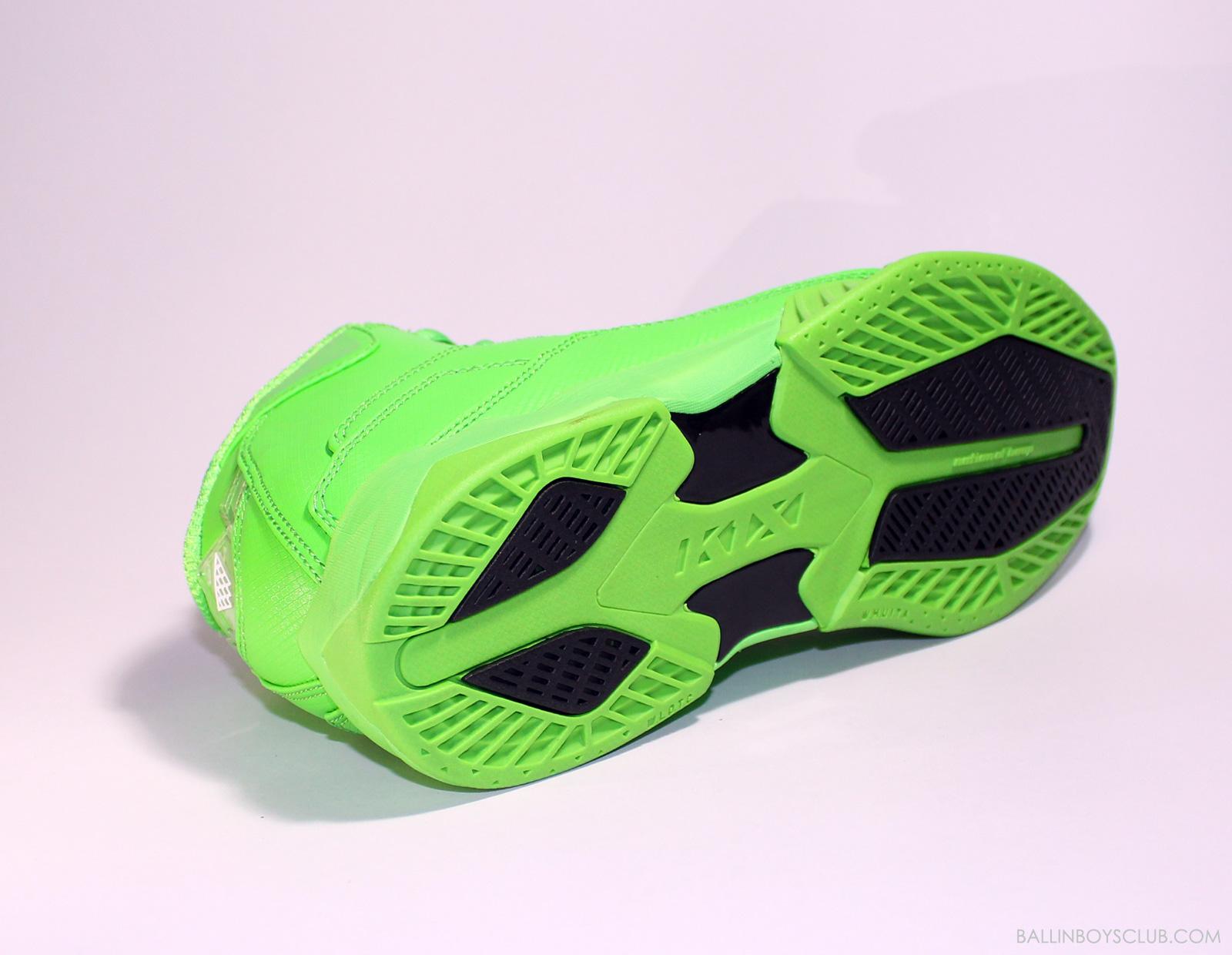 大面積接觸鞋底設計,抓地力佳